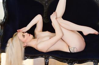 Lauren WK nude photos
