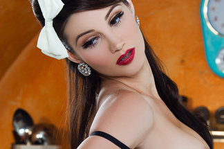 Erika Knight nude pics