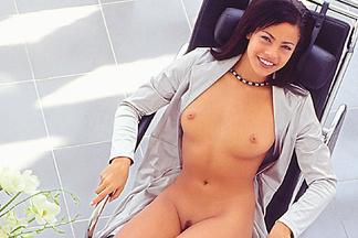 Daphnee Lynn Duplaix sexy pics