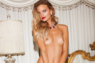 Amanda Booth naked pictures