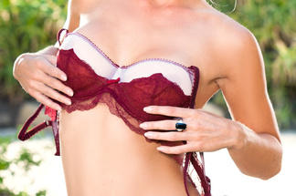 Nikki du Plessis sexy pictures