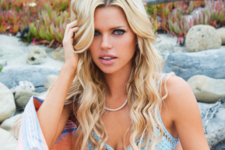 Sophie Monk - hot pics