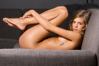 Sarah Smit - nude pics