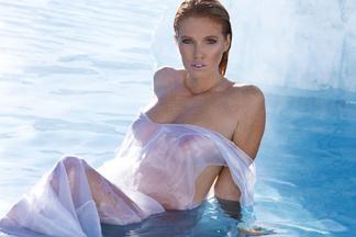Elizabeth Ostrander - naked photos