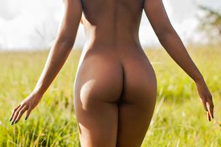 Ivi Pizzott - nude photos