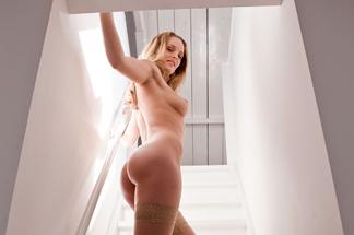Nienke Vaneker - hot photos